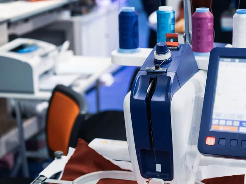 The 16 Best Computerized Sewing Machines Reviews 2019