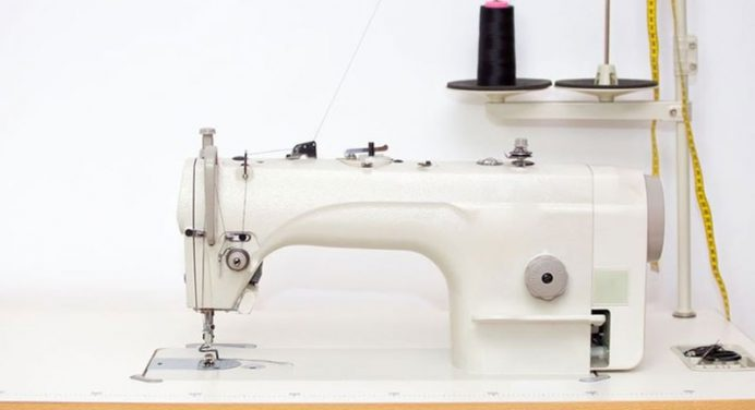 30 Best Sewing Machines For Beginners 2019: Basic & Easiest