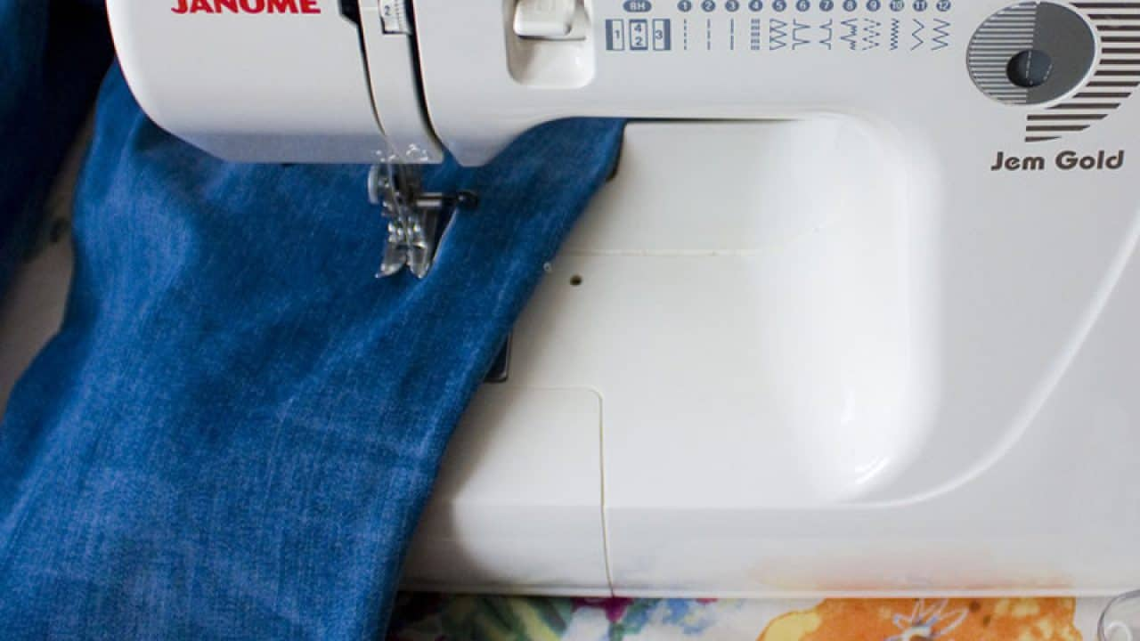 Top 16 Best Janome Sewing Machines Reviews 2019